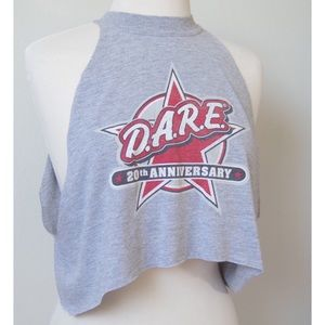 DARE CROPPED HIGH NECK RAW EDGE TANK